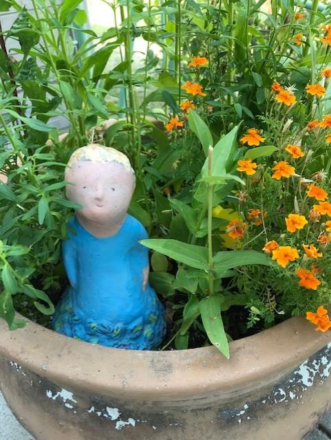 flowerpot girl